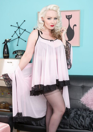 Joan Babydoll & Bed Jacket Set in Custom Colours