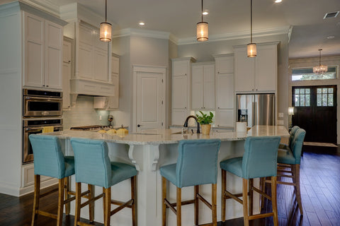 smart lighting pendants in the kitchen
