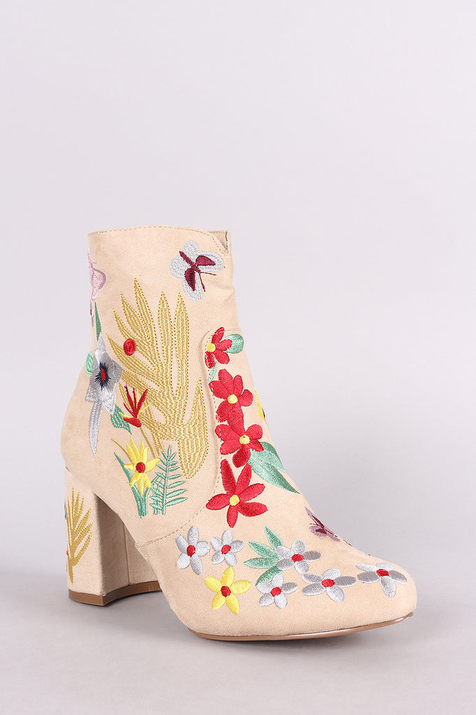 Qupid Suede Embroidery Floral Chunky Heeled Booties - BLK+BLU