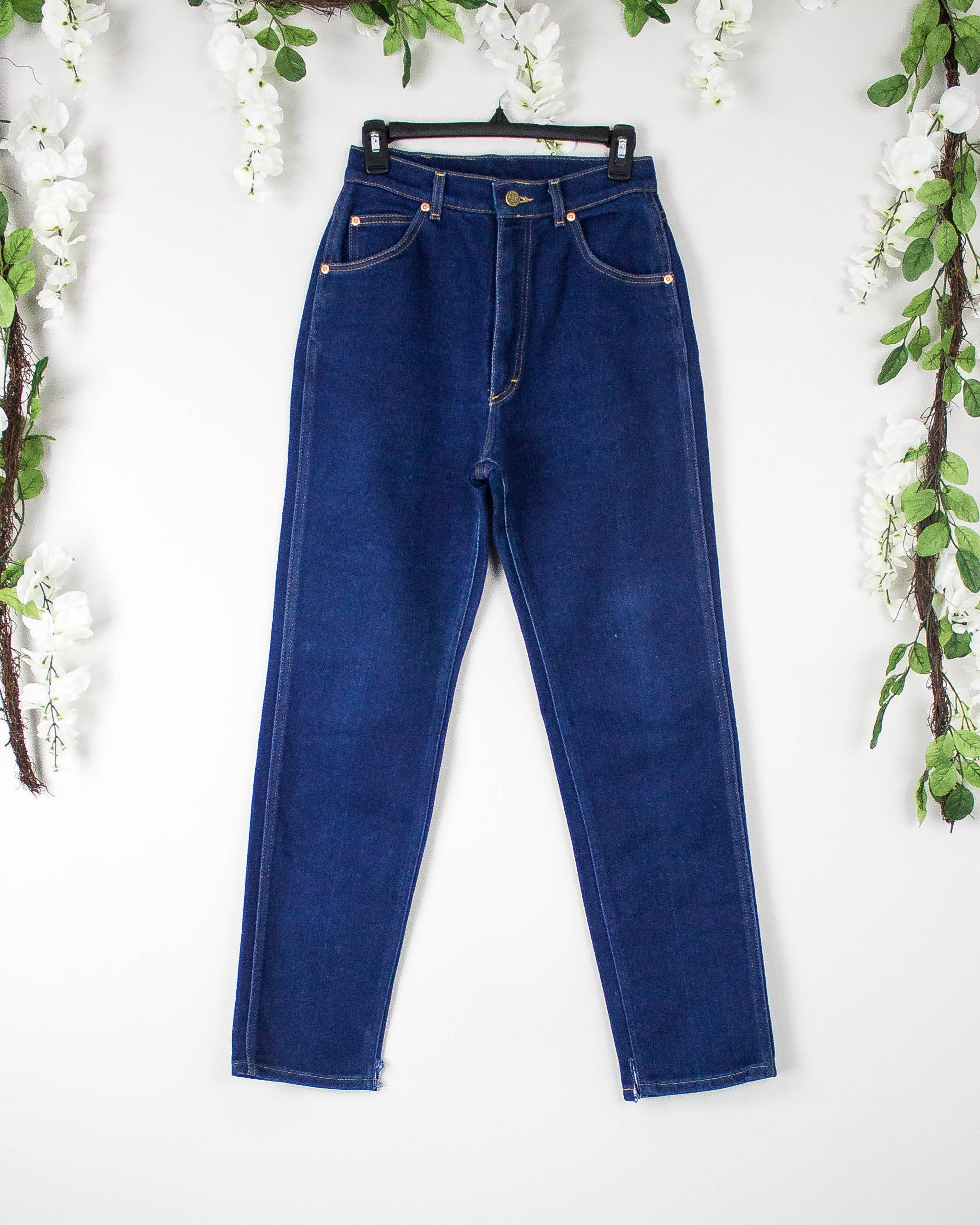 Vintage 26/27 1970s Lee High Waisted Jeans