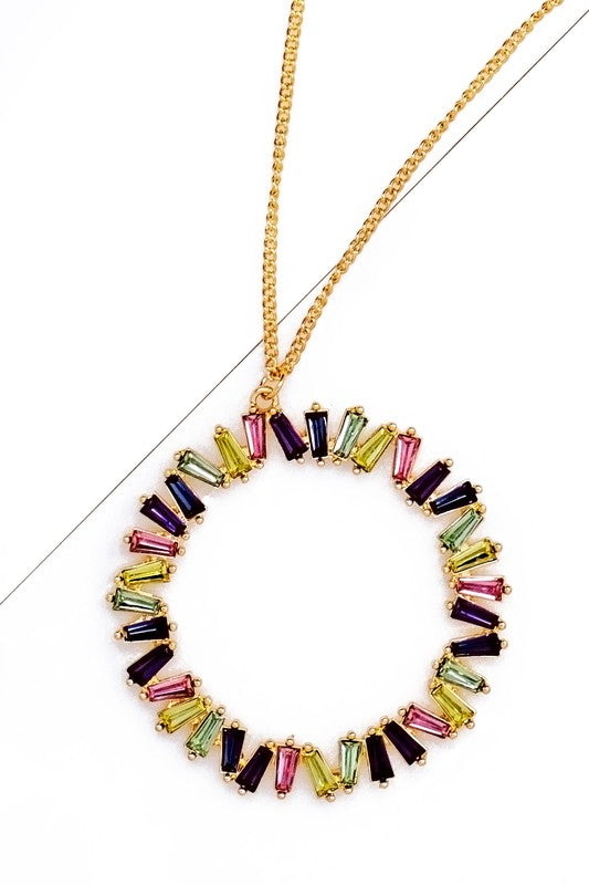 CIRCLE PENDANT NECKLACE.