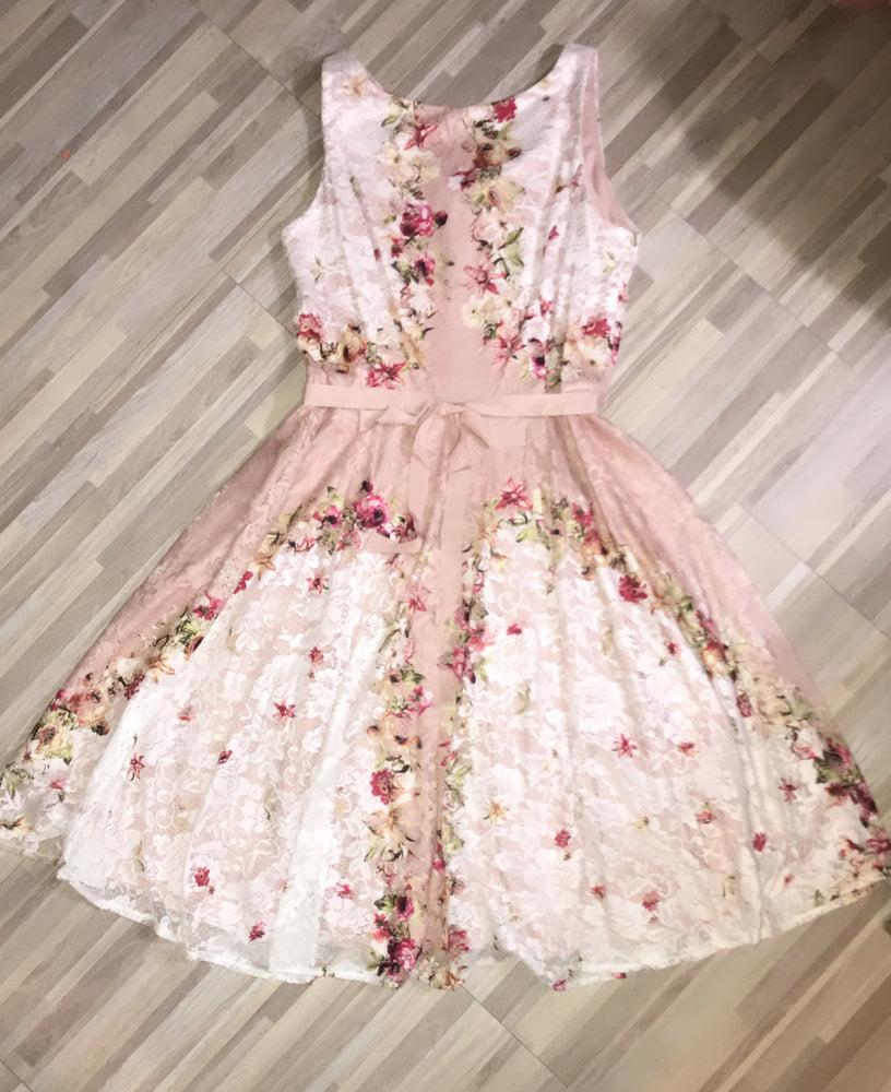 Gabby Skye Lace Floral Dress