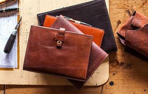 Tanner Bates. Unique and personalised leather goods