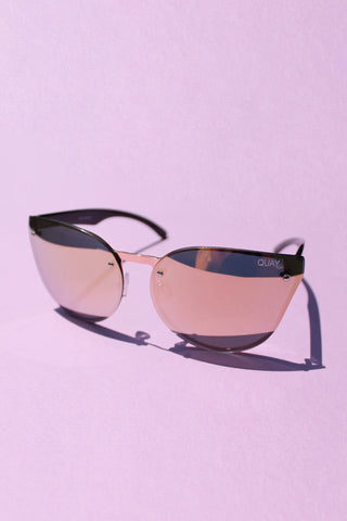 QUAY Higher Love Sunglasses - Gold with Pink Mirror Lens - Girl Party - 1