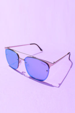 QUAY Private Eyes - Silver with Violet Mirror Lens