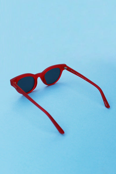QUAY X KYLIE Starstruck Sunglasses-  Red with Smoke Lens