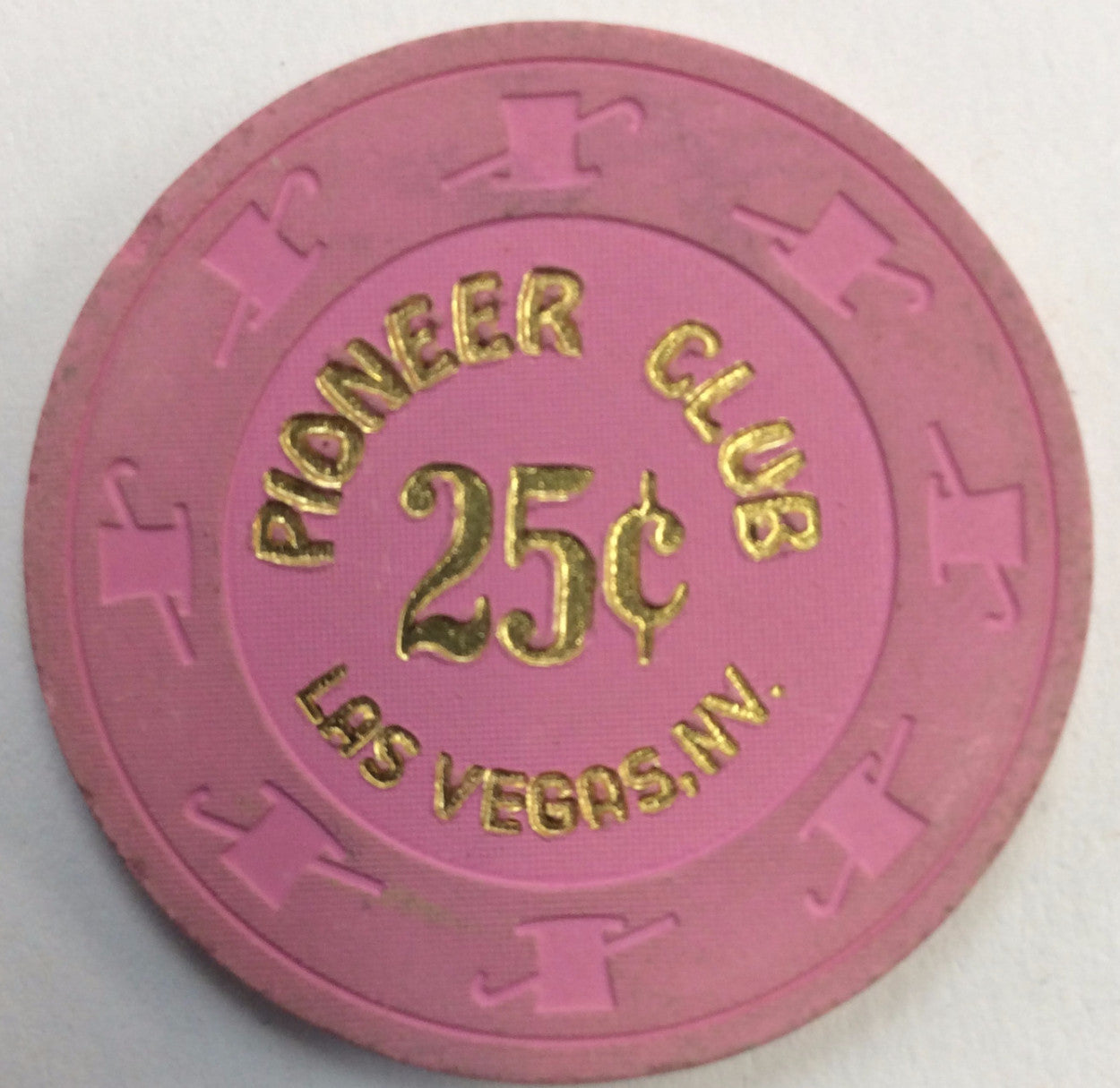 Pioneer Club Casino Las Vegas 25cent (pink) chip - Spinettis Gaming