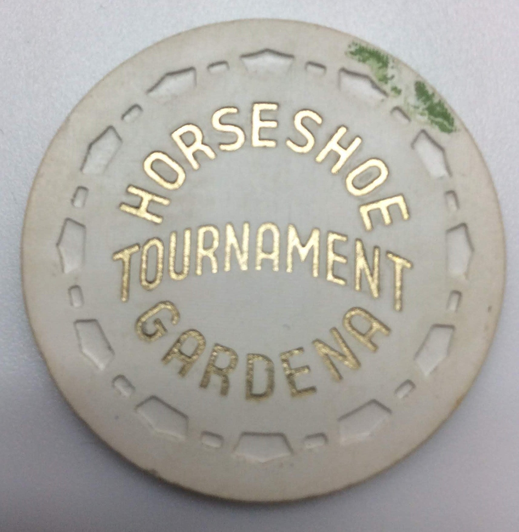 Horseshoe Gardena Tournament Chip White