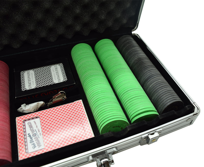 300 Vegas World Casino Las Vegas Nevada Tournament NCV Chip Set W/ Aluminum Case and Cards