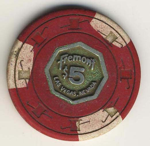Fremont $5 (red 1975) chip