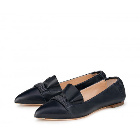 AGl loafer with ruffle detail pointy toe Pumpz