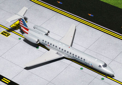 1/200 GeminiJets American Airlines Embraer ERJ-145 Diecast Model - RW Hobbies