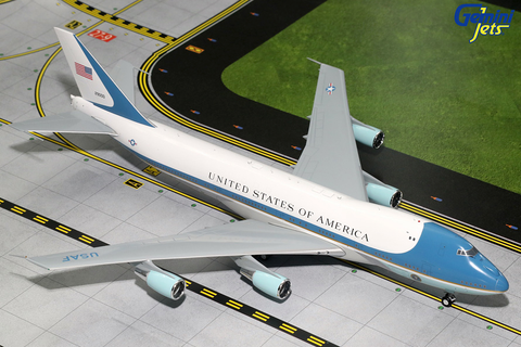 1/200 GeminiJets Air Force One Boeing 747-200 (VC-25A) Diecast Model