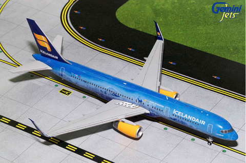 1/200 GeminiJets Icelandair Boeing 757-200 Diecast Model - RW Hobbies