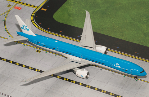 1/200 GeminiJets KLM Royal Dutch Airlines Boeing 777-300ER Diecast Model - RW Hobbies