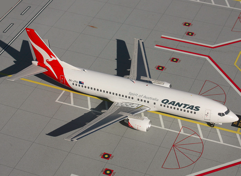 1/200 GeminiJets Qantas Airways Boeing 737-400 Diecast Model - RW Hobbies