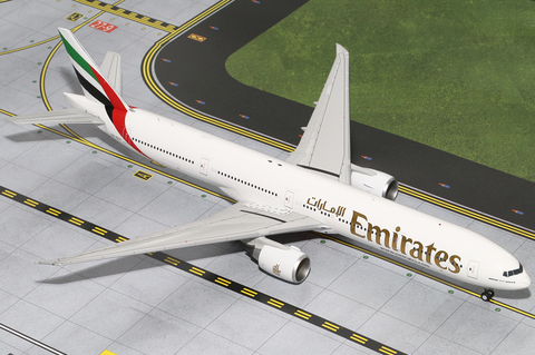 1/200 GeminiJets Emirates Airline Boeing 777-300ER Diecast Model - RW Hobbies