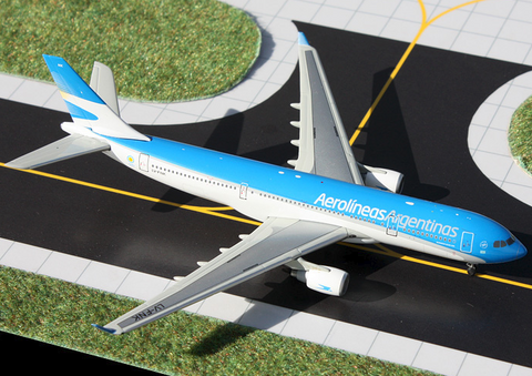 1/400 Gemini Jets Aerolineas Argentinas Airbus A330-200 Diecast Model Airplanes - RW Hobbies