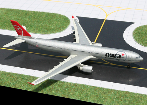1/400 GeminiJets Northwest Airlines Airbus A330-300 Diecast Model - RW Hobbies