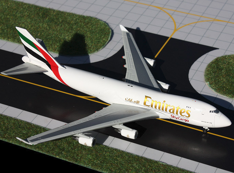 1/400 Gemini Jets Emirates Sky Cargo Boeing 747-400F Diecast Model Airplanes - RW Hobbies