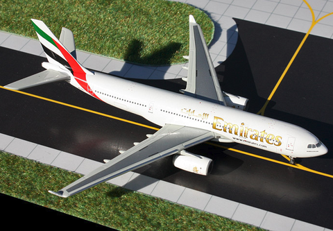 1/400 GeminiJets Emirates Airline Airbus A330-200 Diecast Model - RW Hobbies