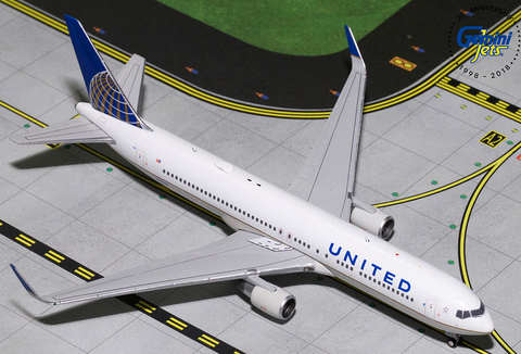 1/400 GeminiJets United Airlines Boeing 767-300 Diecast Model