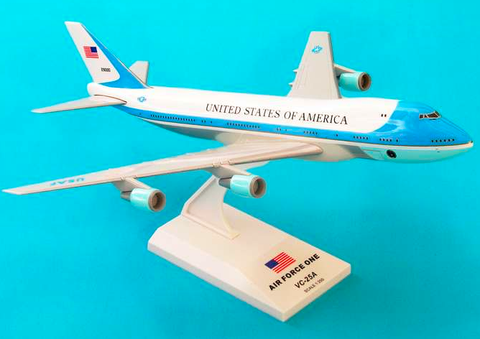 Skymarks Air Force One VC-25 Boeing 747-200 1/250 Plastic Model