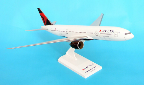 Skymarks Delta Airlines Boeing 777-200LR 1/200 Plastic Model - RW Hobbies