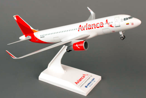 Skymarks Avianca Columbia Airbus A320-200 1/150 Plastic Model - RW Hobbies