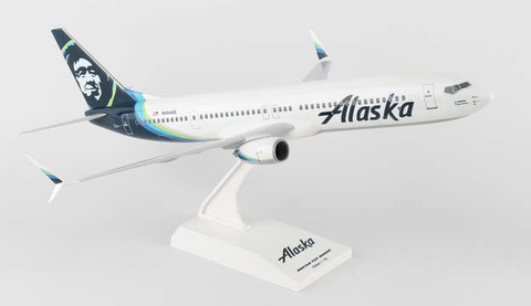 Skymarks Alaska Airlines Boeing 737-900s 1/130 Plastic Model - RW Hobbies