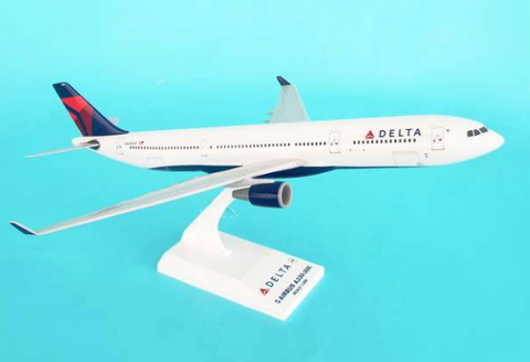 Skymarks Delta Airlines Airbus A330-300 1/200 Plastic Model - RW Hobbies