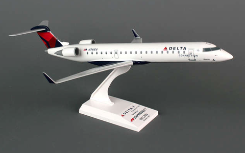 Skymarks Delta Connection Bombardier CRJ-700 1/100 Plastic Model - RW Hobbies