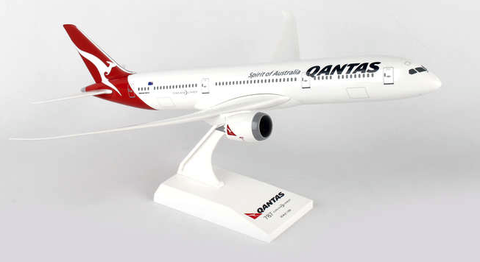 Skymarks Qantas Airlines Boeing 787-9 Dreamliner 1/200 Plastic Model - RW Hobbies