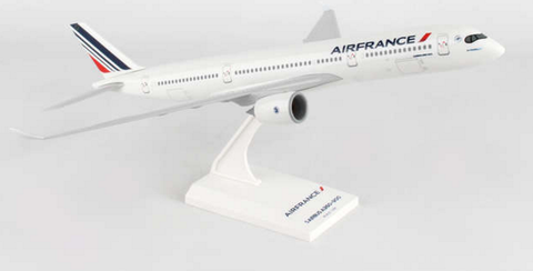 Skymarks Air France Airbus A350-900 1/200 Plastic Model - RW Hobbies