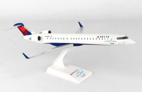 Skymarks Delta Connection GoJet Bombardier CRJ-900 1/100 Plastic Model - RW Hobbies