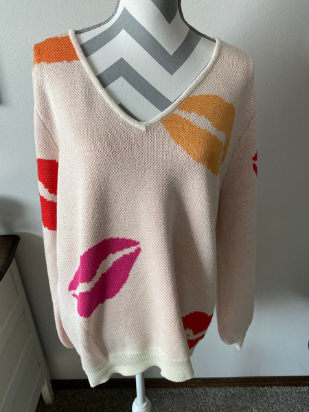 Hanna Curvy Lip Sweater