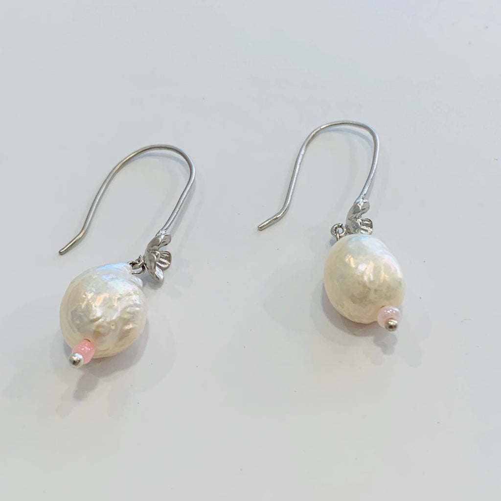Elfy Earrings Soft Silver Floral with Soft Pearl