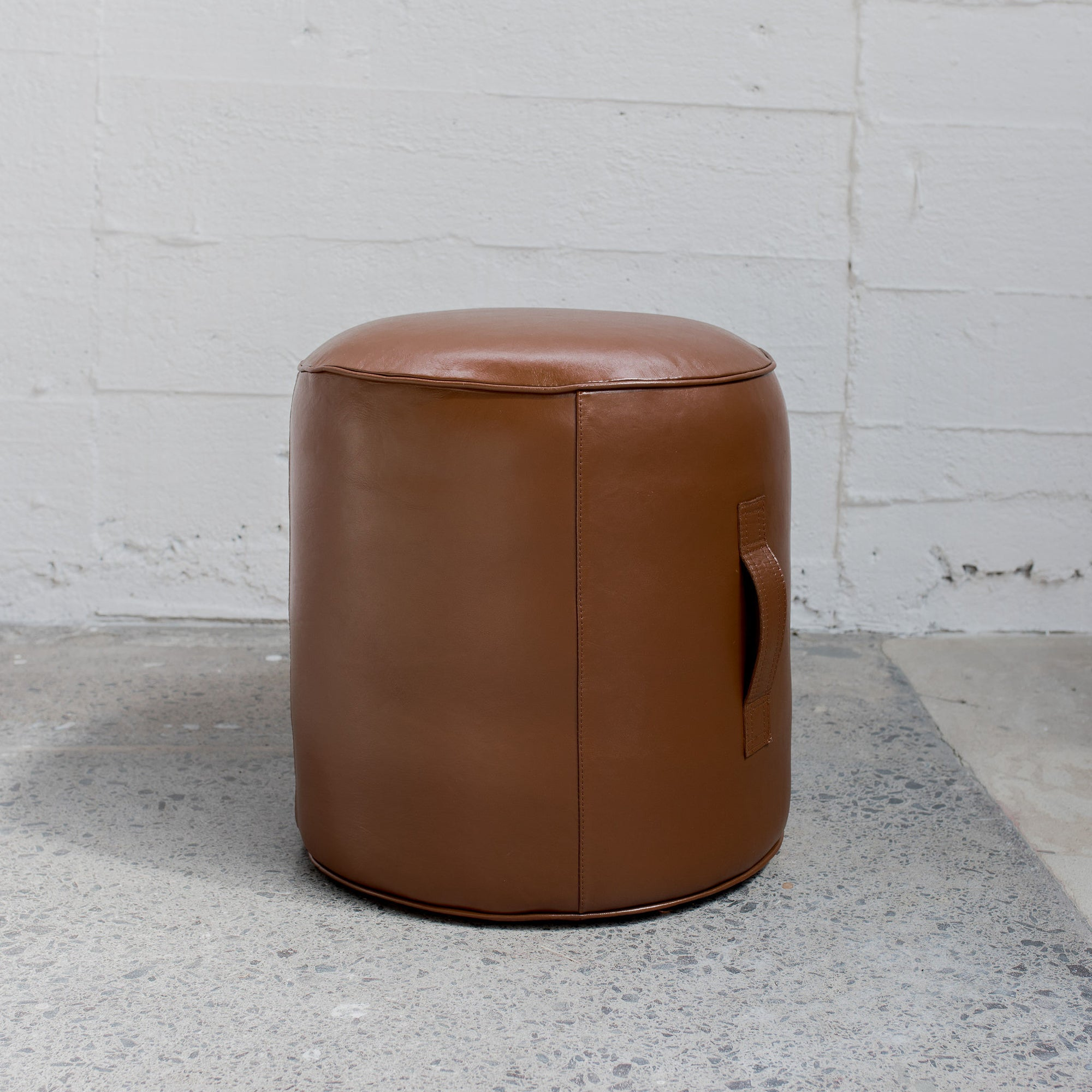 Tabacco Leather Pouff