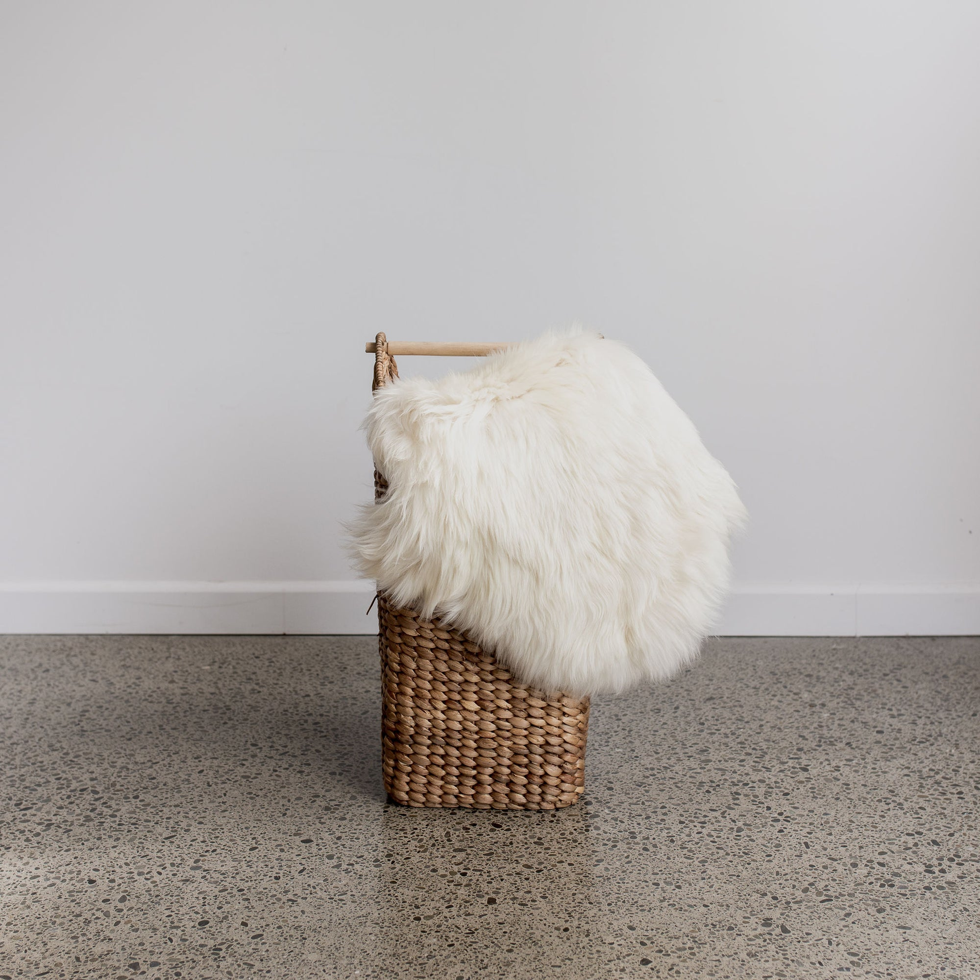 white chocolate new zealand sheepskin rug corcovado furniture