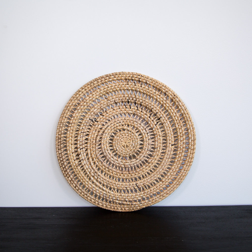... Round Rattan Placemat (Natural) ...