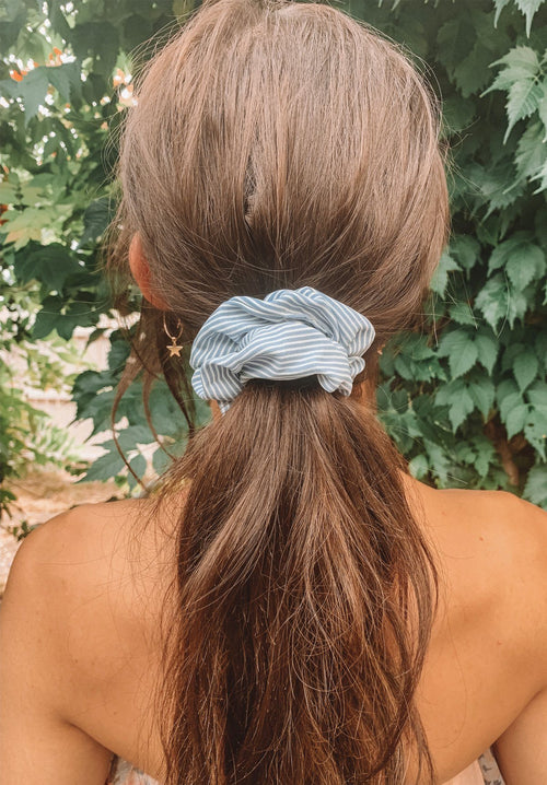 Stripy Blue Scrunchie Gift Card Oh Rent Me