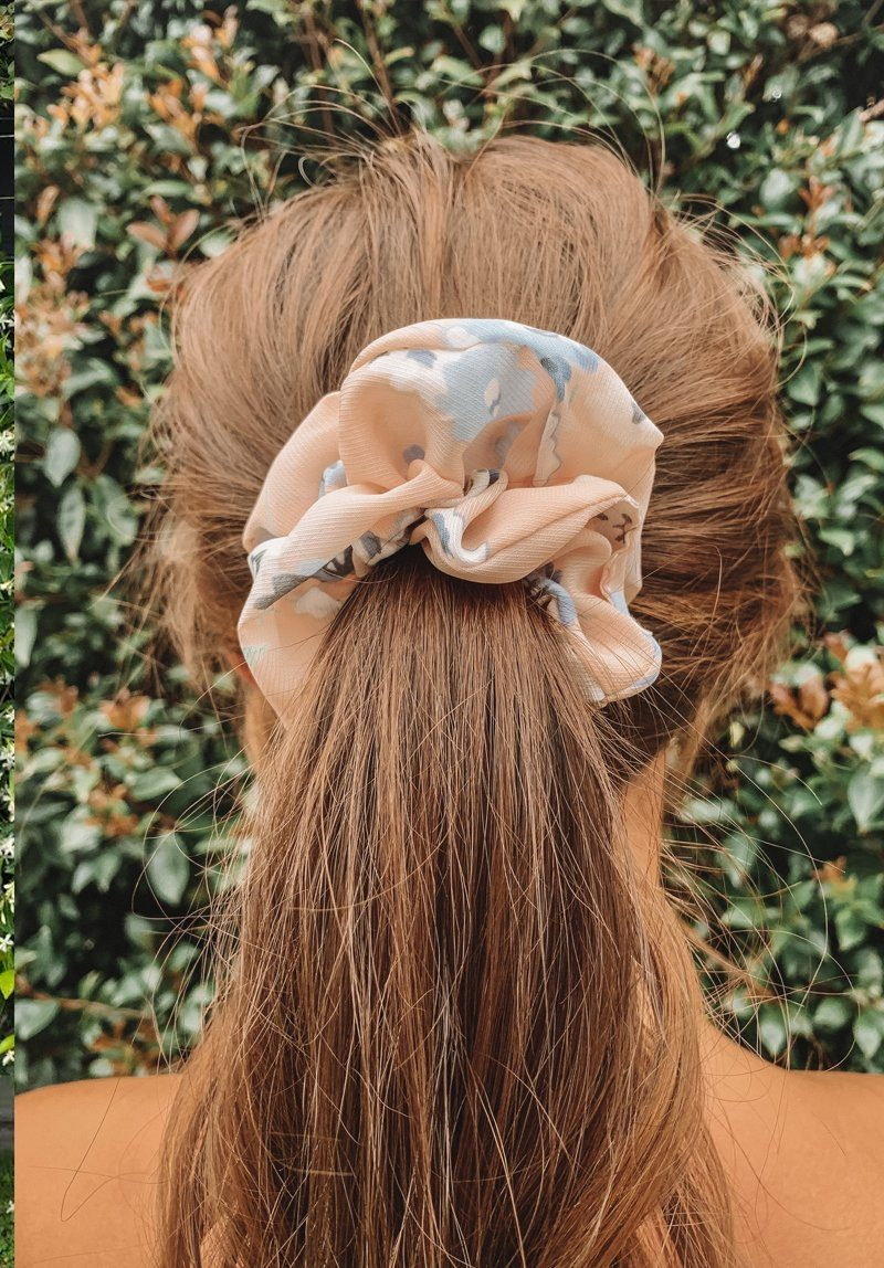 Peach Flowers Scrunchie Gift Card Oh Rent Me