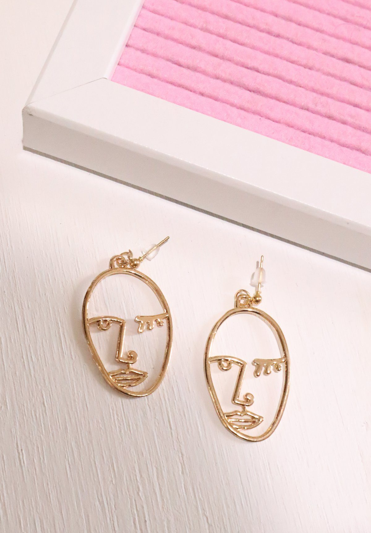 Portrait Earrings - Gold