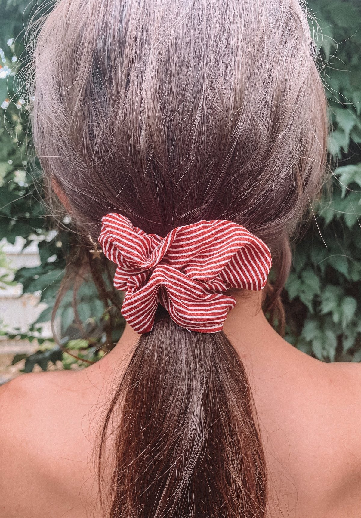 Stripy Red Scrunchie Gift Card Oh Rent Me