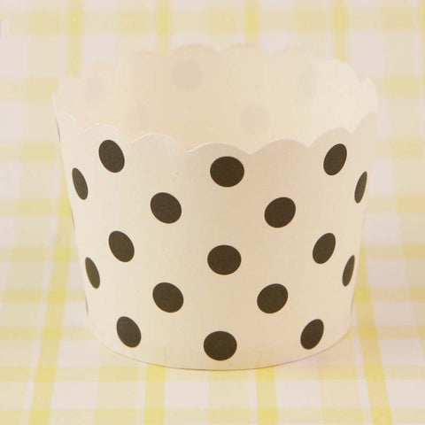 Paper Eskimo – Black Spot Baking Cups