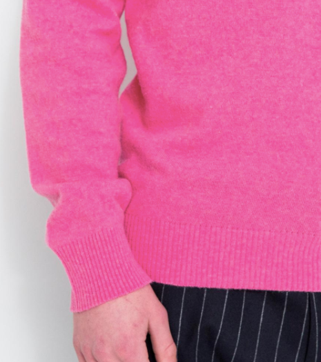 MAN POLO SWEATER IN DUSTY PINK