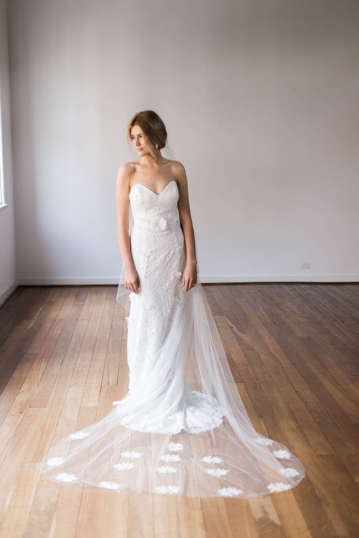 Emma Tulle Veil with Applique trim