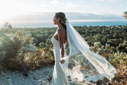 Samantha Wynne Letitia veil is an ivory veil with stunning lace edge detail.