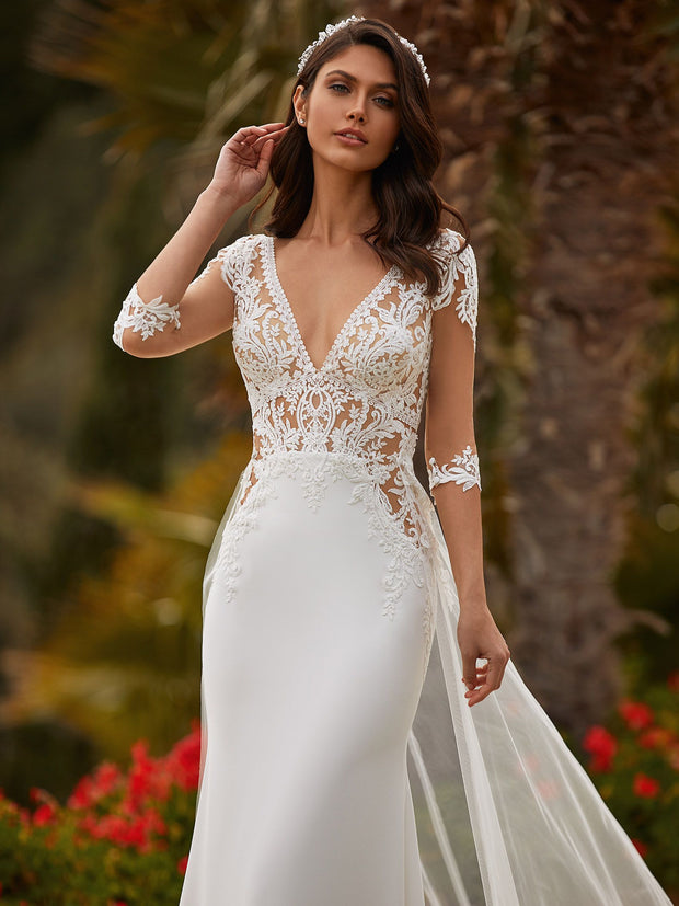 Claudette - Mermaid wedding dress in crepe, with V-neck and three-quarter sleeves - Arriving soon..