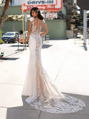 Peters - Mermaid wedding dress with V-neck and tattoo-effect back in crepe - Arriving soon...